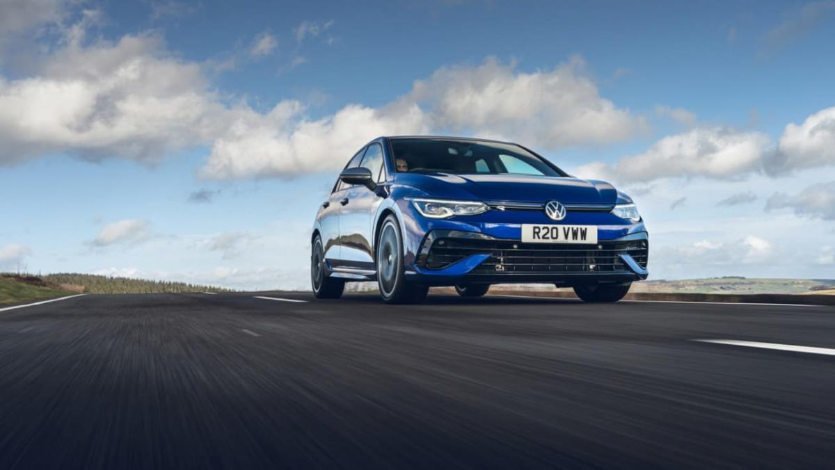 Volkswagen-Golf-R-2021-review-1