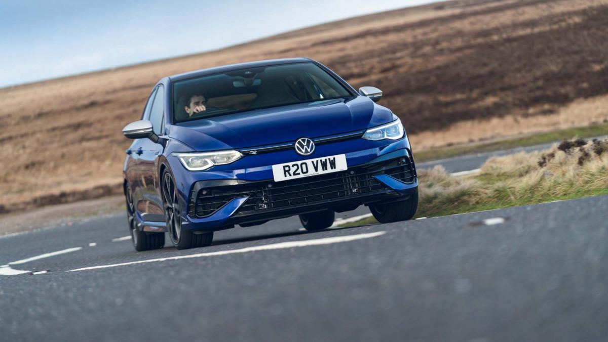 Volkswagen-Golf-R-2021-review-12