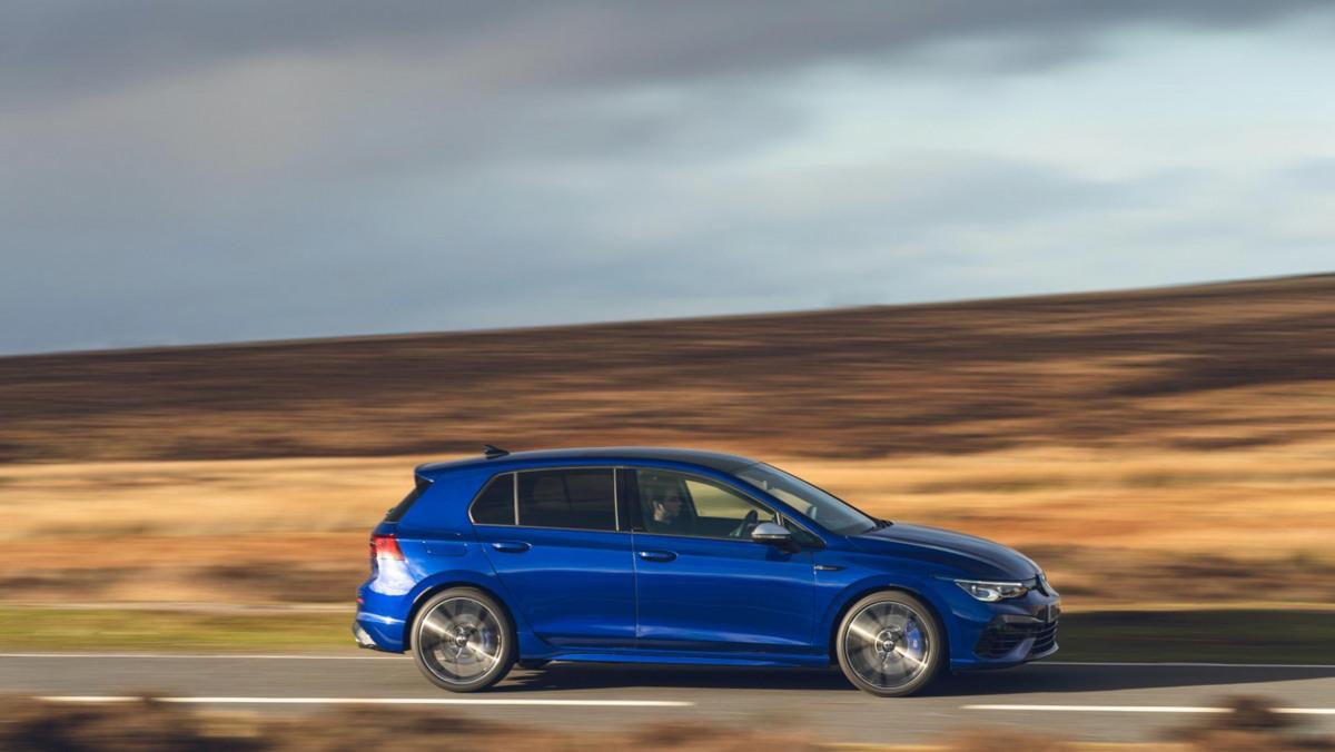 Volkswagen-Golf-R-2021-review-17