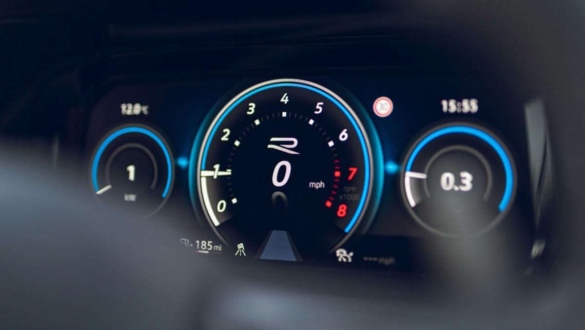 Volkswagen-Golf-R-2021-review-23