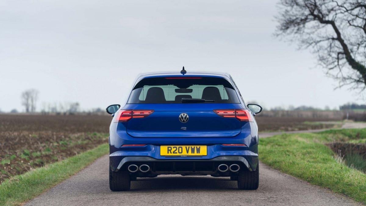 Volkswagen-Golf-R-2021-review-5