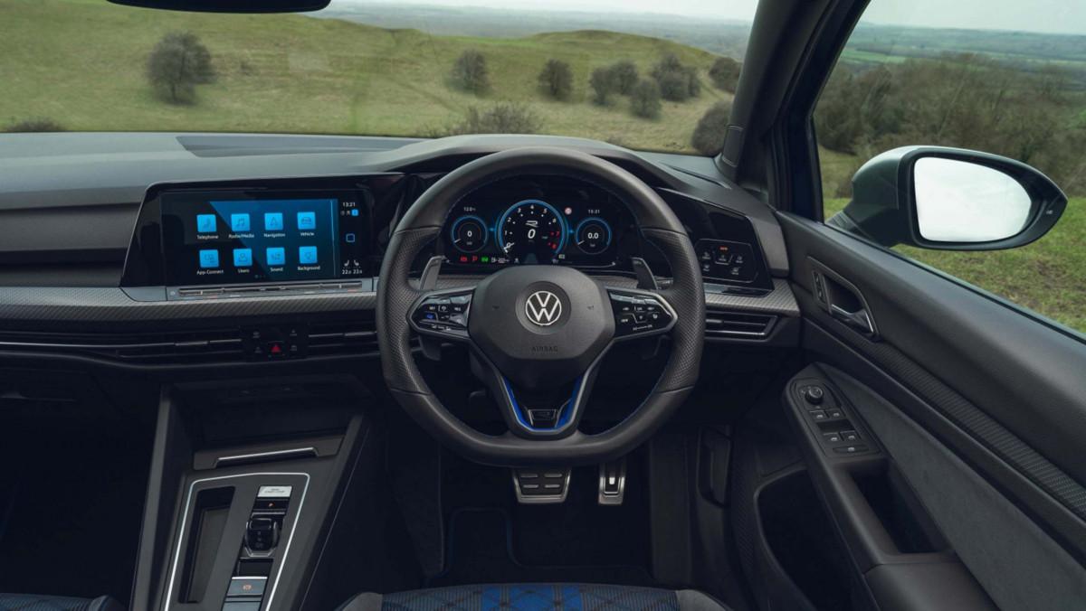 Volkswagen-Golf-R-2021-review-6