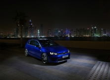volkswagen-golf-r-uae-01