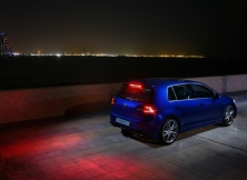 volkswagen-golf-r-uae-04