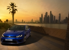 volkswagen-golf-r-uae-08