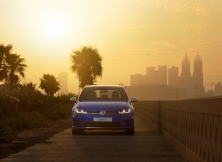 volkswagen-golf-r-uae-09