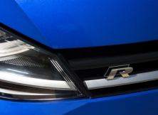 volkswagen-golf-r-uae-19