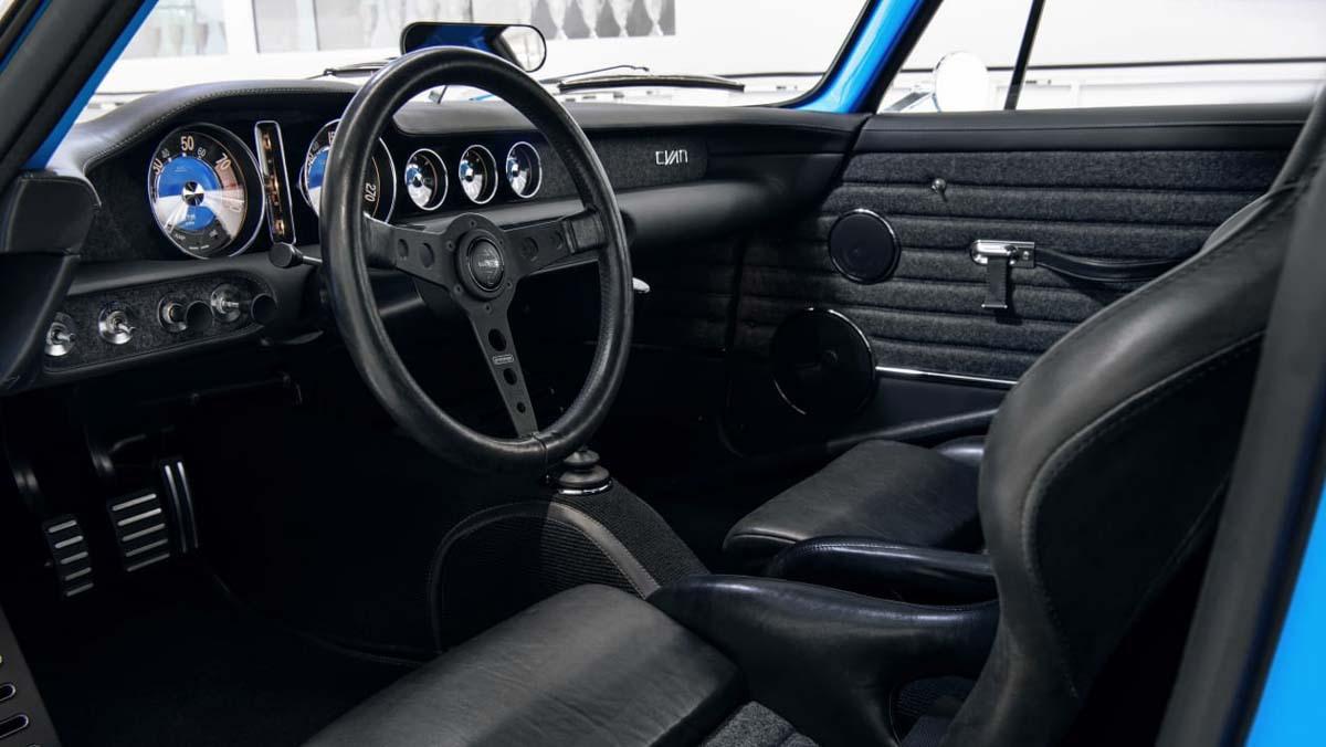 Volvo-P1800-Cyan-1-7