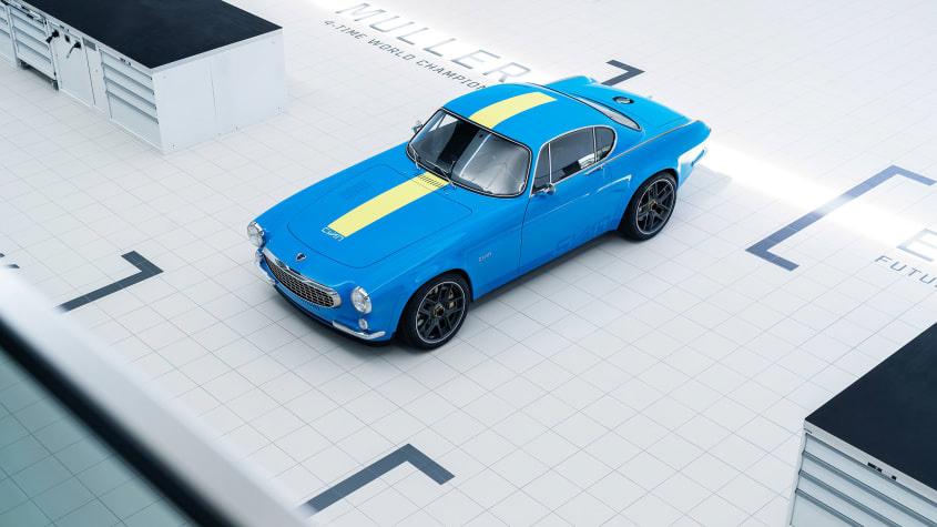 Volvo-P1800-Cyan-1