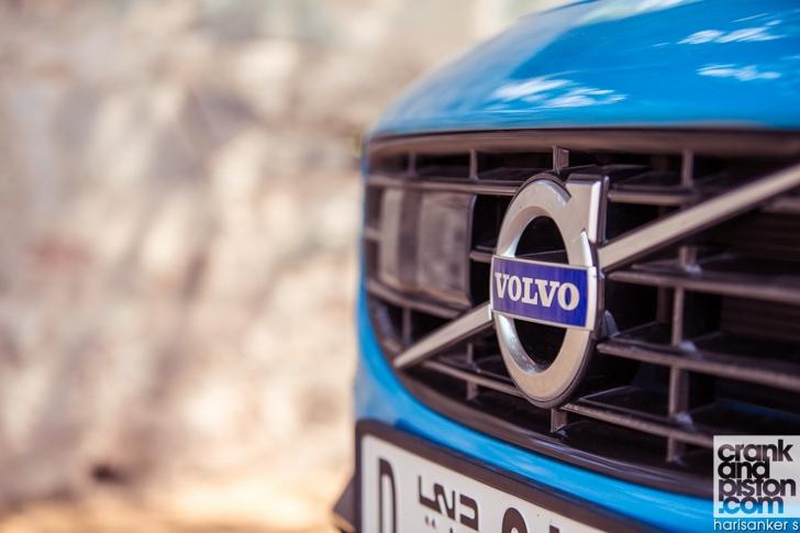 Volvo S60 Polestar DRIVEN crankandpiston-2
