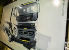 volvo-trucks-fh-fm-fmx-yas-marina-circuit-04