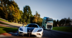 Volvo Trucks FH vs Koenigsegg One:1